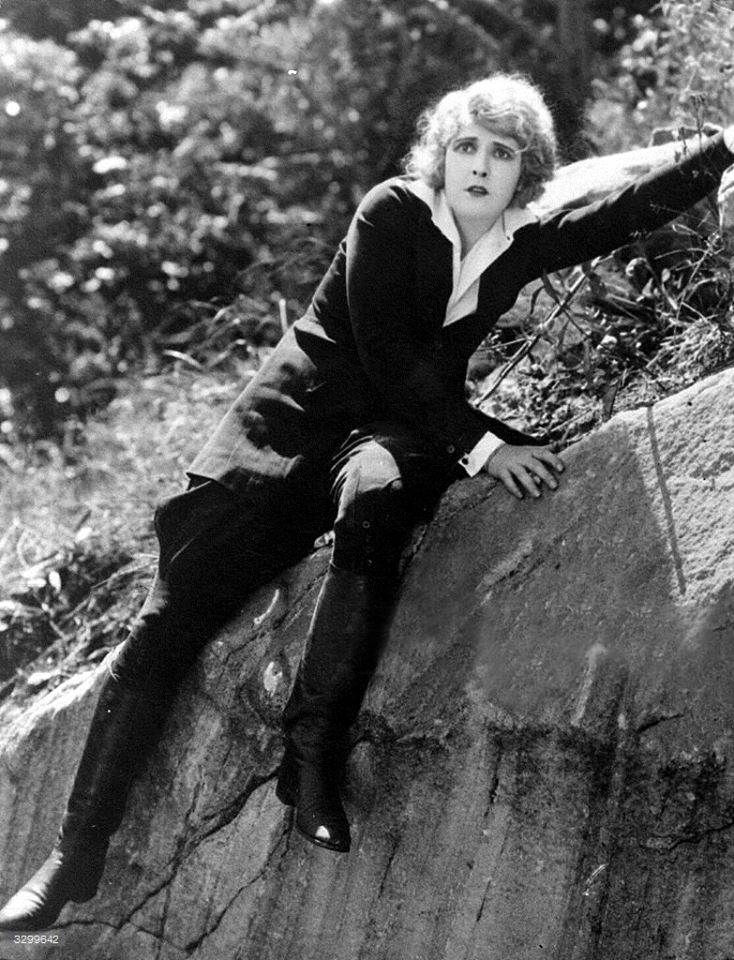 Pearl White Plunder Cliffhanger Point 1923